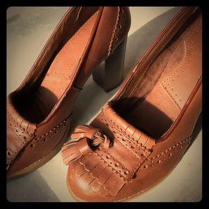 G.H. Bass & Co. Vintage Leather Loafer heels